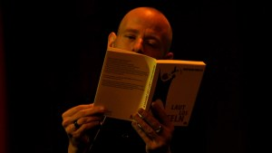 Buchpremiere: Laut Los Zweifeln @ Periplaneta Literaturcafé Berlin