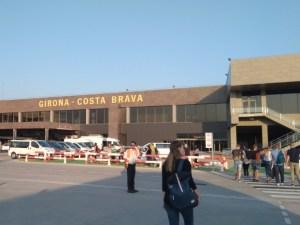 Bild des Flughafens Girona (Spanien) vom Rollfeld aus