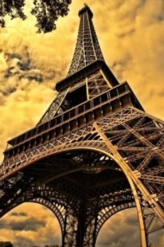 the-eiffel-tower-103417_640_jpg_pdf__1_página_