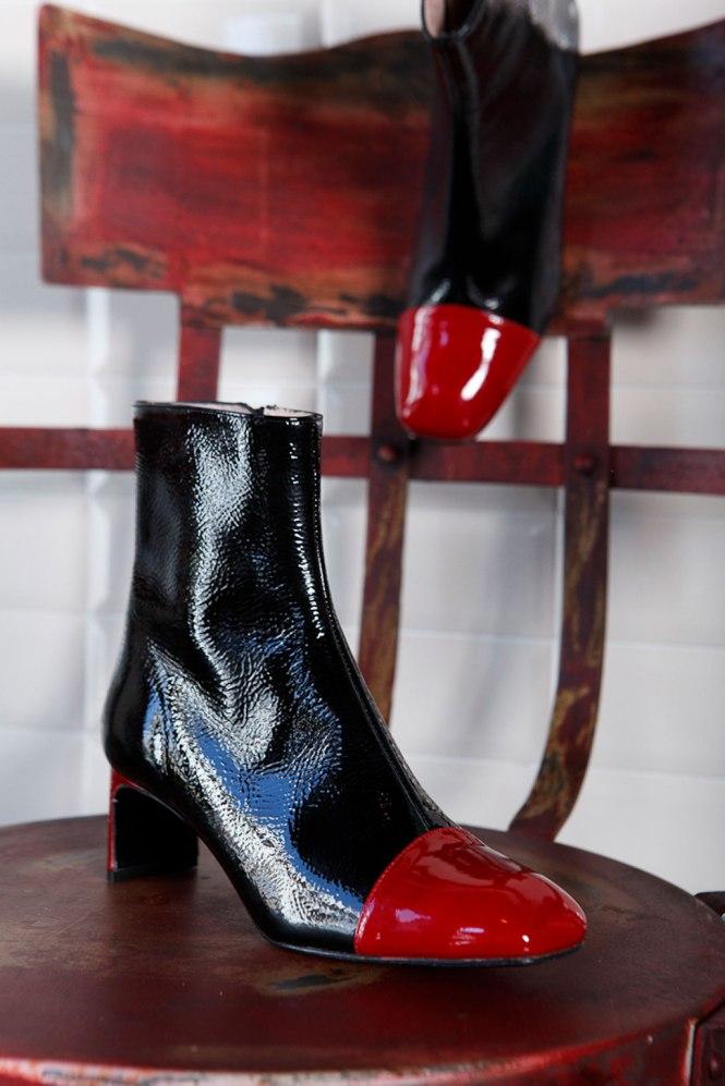 Botín bicolor en negro y rojo Eva Mulier