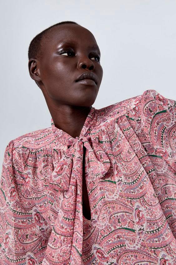 Blusas Zara con lazada y estampada