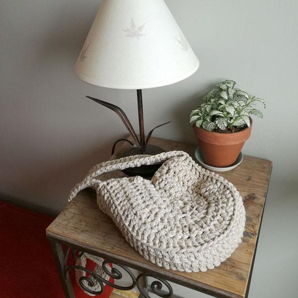 diy runde gehakelte tasche mit trapilho