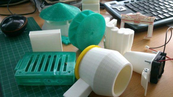 Algunas de las piezas impresas en PLA