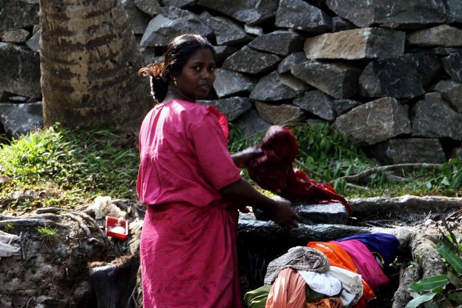 Hinduska robiąca pranie