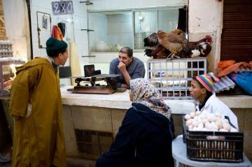 Codzienne życie mieszkańców starej medyny w Fezie. (Fot. Jarek Noga)