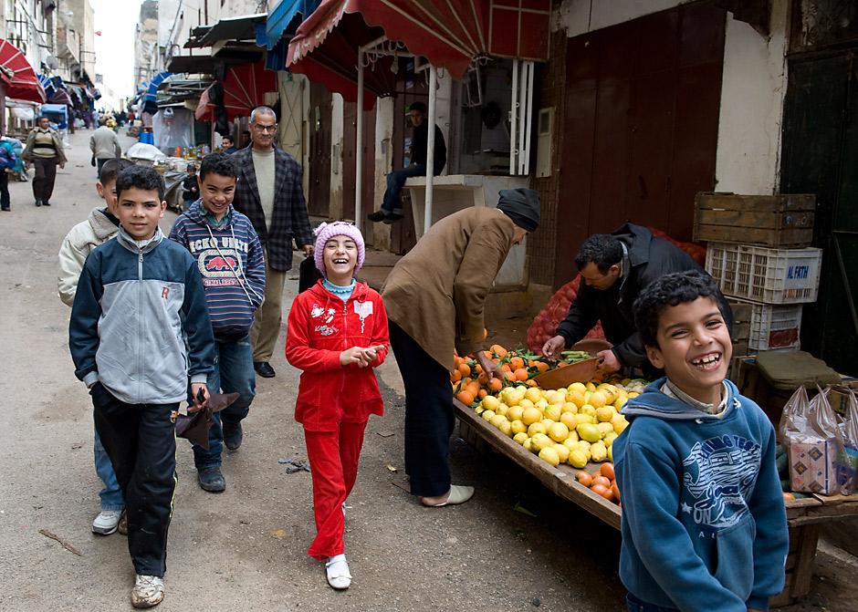 4. MAROKO, Fez. Jak zawsze uśmiechnięte dzieciaki. (Fot. Jarek Noga)