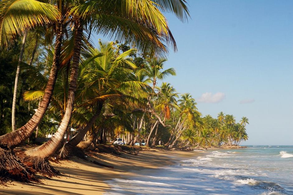 13. DOMINIKANA, Playa Bonita. Jak sama nazwa wskazuje, miejsce to uważane jest za jedną z najładniejszych dominikańskich plaż. (Fot. Ewa Serwicka)