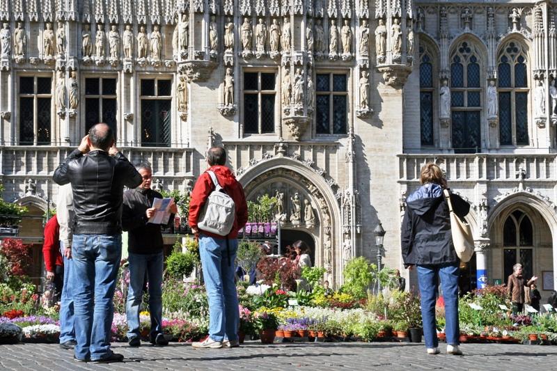Można zacząć od wyjazdów do jakichś europejskich miast, na przykład pięknej Brukseli. (Fot. Ewa Serwicka)