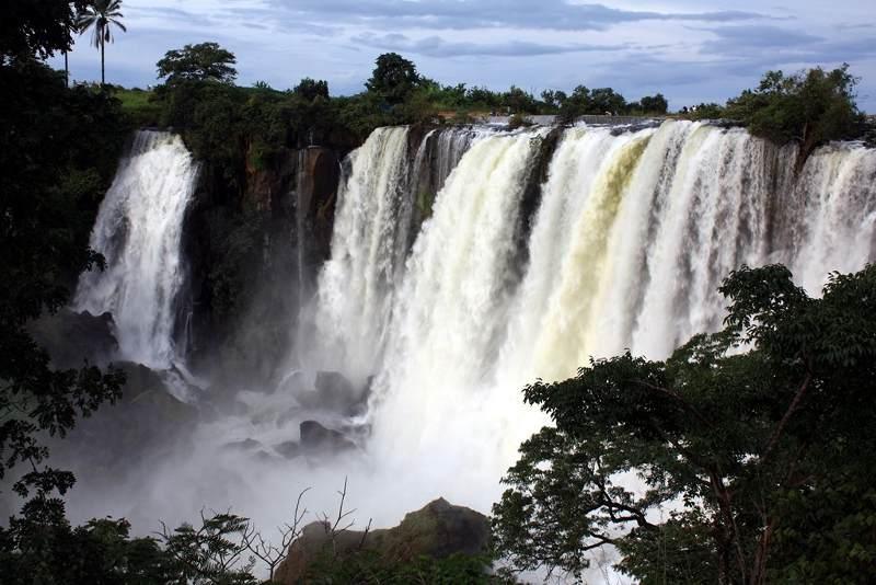 Wodospad w Angoli, okolice Cuemby