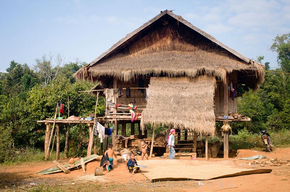 Laos - wioska Akha