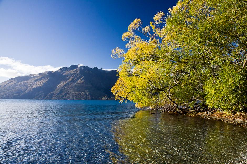 7. NOWA ZELANDIA, Wyspa Południowa, Jezioro Wakatipu w okolicach Queenstown. (Fot. Jakub Puchalski)