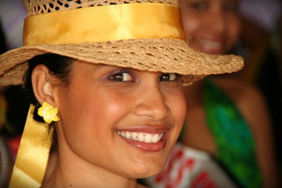 6. FIDŻI, Suva. Wokół nie brakuje oczywiście słynnych ze swej urody pięknych kobiet. (Fot. Tomek Biskup)