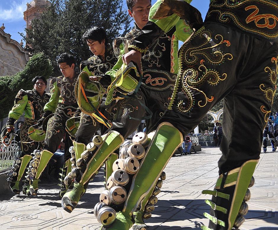 14. Boliwia, Potosi. …a chłopcy wymachiwali dzwonkami. (Fot. Maja Szymańczak)