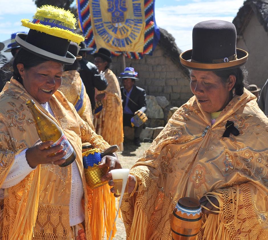 4. Boliwia, Isla del Sol. …poplotkować z sąsiadką… (Fot. Maja Szymańczak)