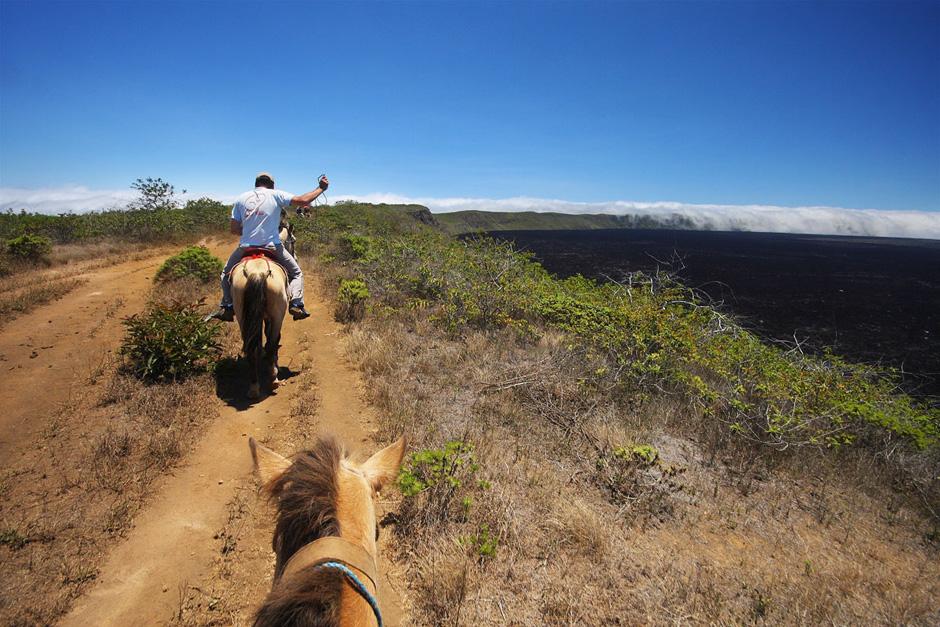9. GALAPAGOS, wyspa Isabella. Galapagos to wyspy wulkaniczne, a Sierra Negra na wyspie Isabella to największy w archipelagu krater. Najłatwiej można do niego dotrzeć konno. (Fot. Magda Biskup)