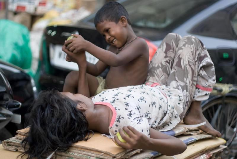 Zabawa? Walka? Walka dla zabawy? Ulice Kalkuty.