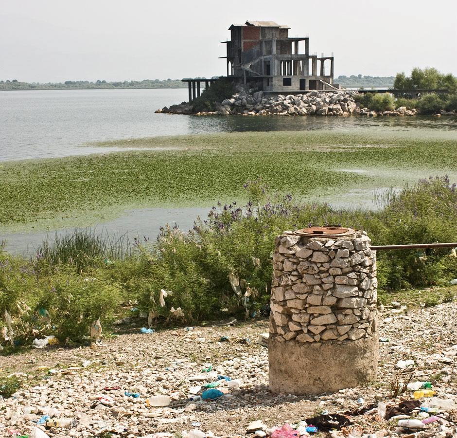 Śmieci w Albanii