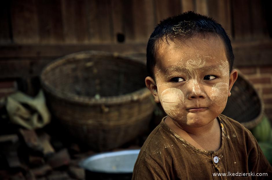 Thanaka służy do malowania twarzy