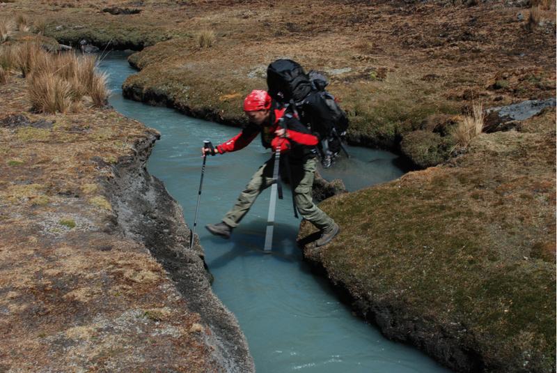 Boliwia, potok w dolinie Huancasayani