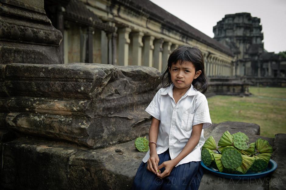 Dziewczynka pracująca w Kambodży