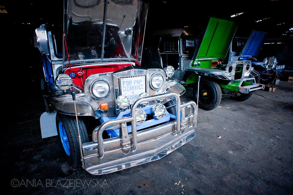 Jeepney - popularny środek transportu na Filipinach