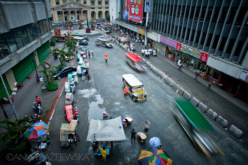 Ulice Filipin pełne są jeepneyów