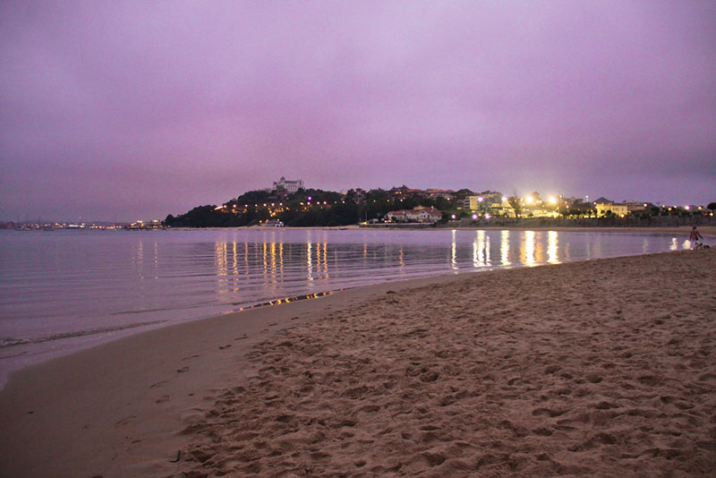 Plaża w Santanderze nocą