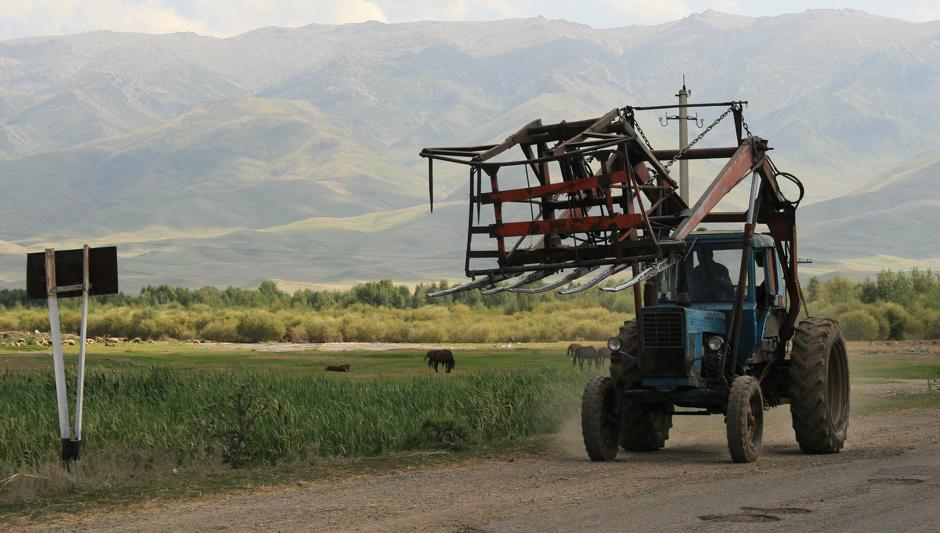 Traktor rolnika w Kazachstanie