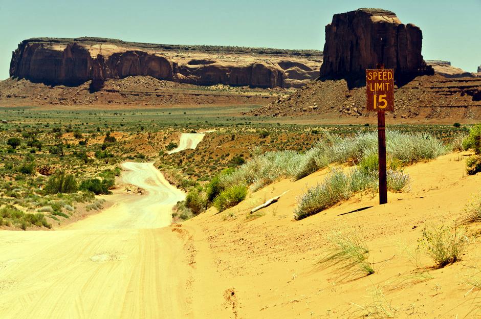Podróż przez Monument Valley w Arizonie