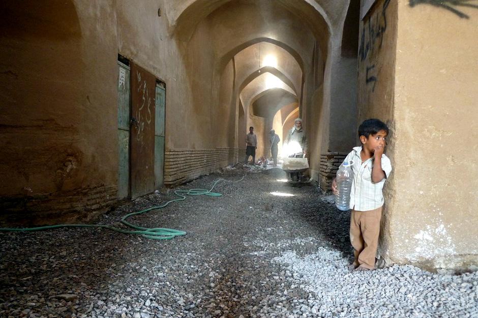Jadąc przez Iran - poszukiwanie cienia w Jazd