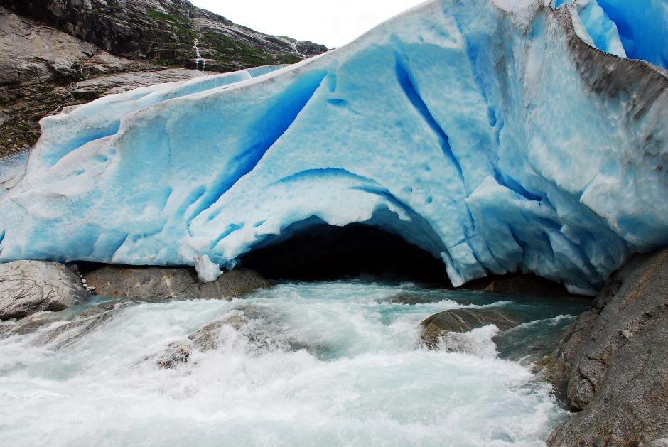 Podróż za koło podbiegunowe - lodowa droga