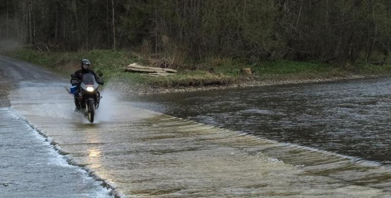 W trakcie podrózy motocyklowych adrenalina towarzyszy przez cały czas