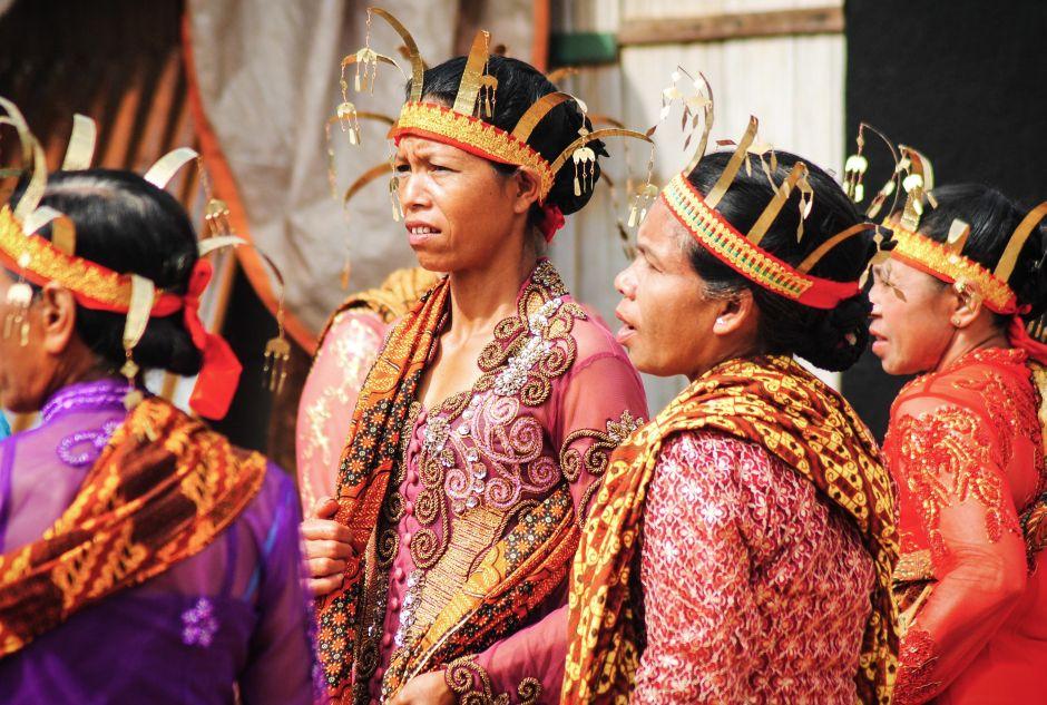 Podróż po Indonezji, Kobiety z plemienia Maggarai