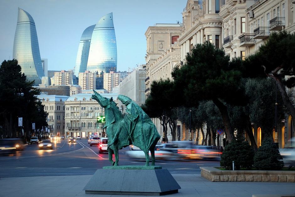 Nowoczesna część Baku - foto