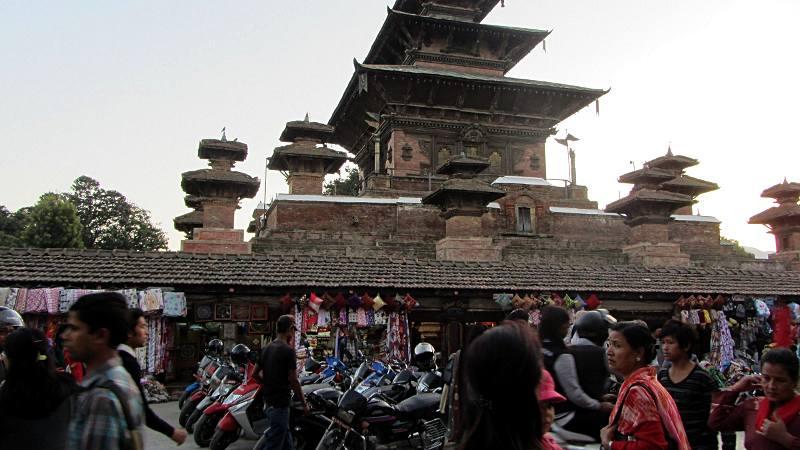 Motocykle w stolicy Nepalu