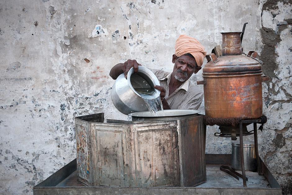 Uliczna herbaciarnia - zdjęcia z podróży przez Indie