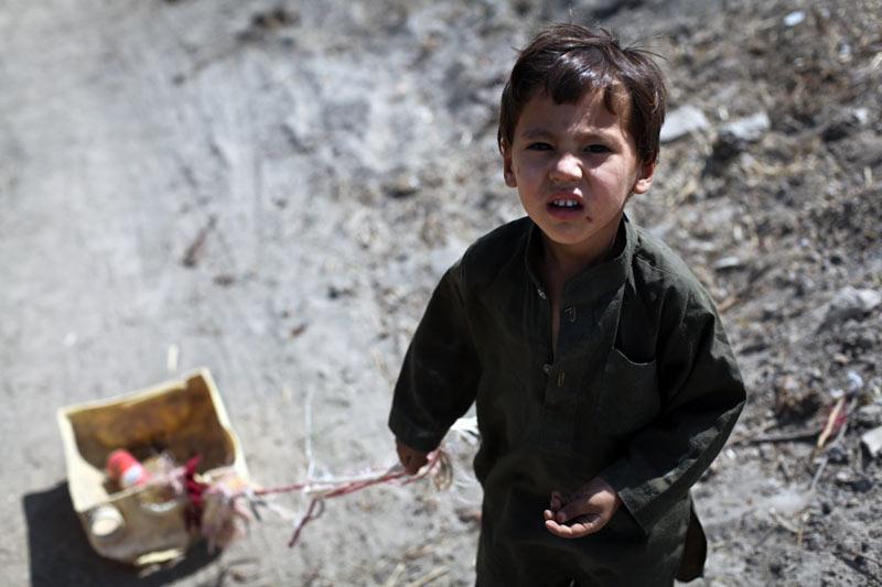 W Afganistanie dzieci pracują