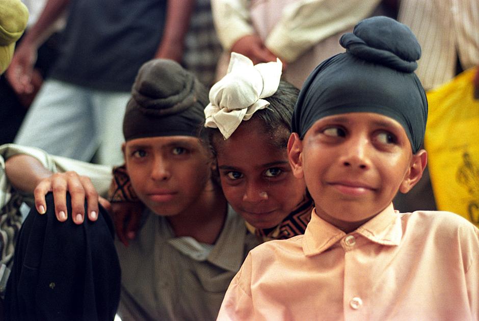 Sikhowei w Amritasrze. Dzieci w Złotej Światyni.