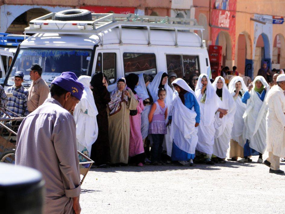 Dworzec autobusowy - samotna podróż do Maroka