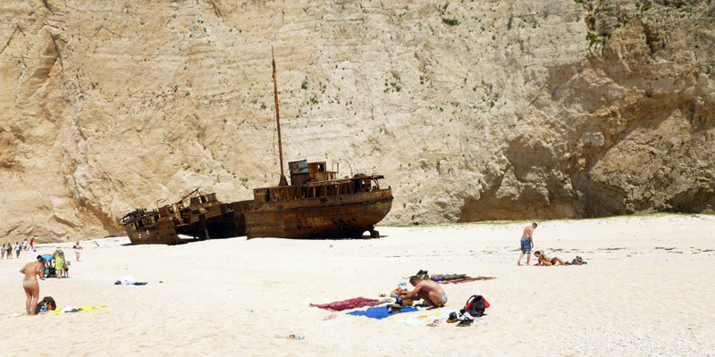 Zatoka Wraku przyciąga turystów na wyspę Zakinthos