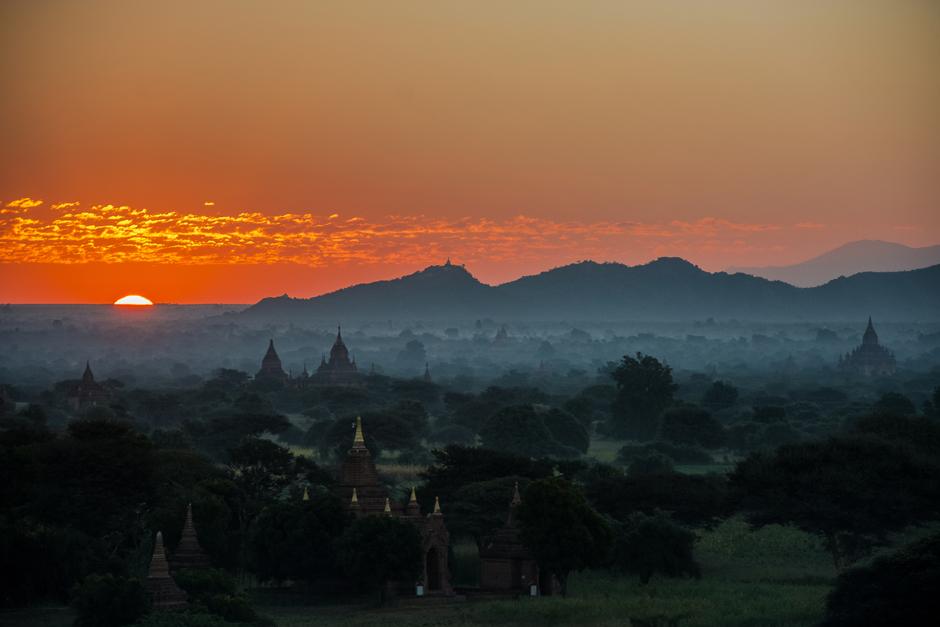Zachód słońca - zdjęcia z podróży do Birmy