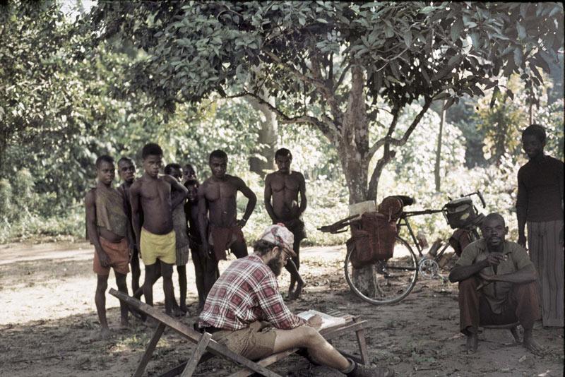 Jacek Herman-Izycki w Afryce podczas podróży rowerowej