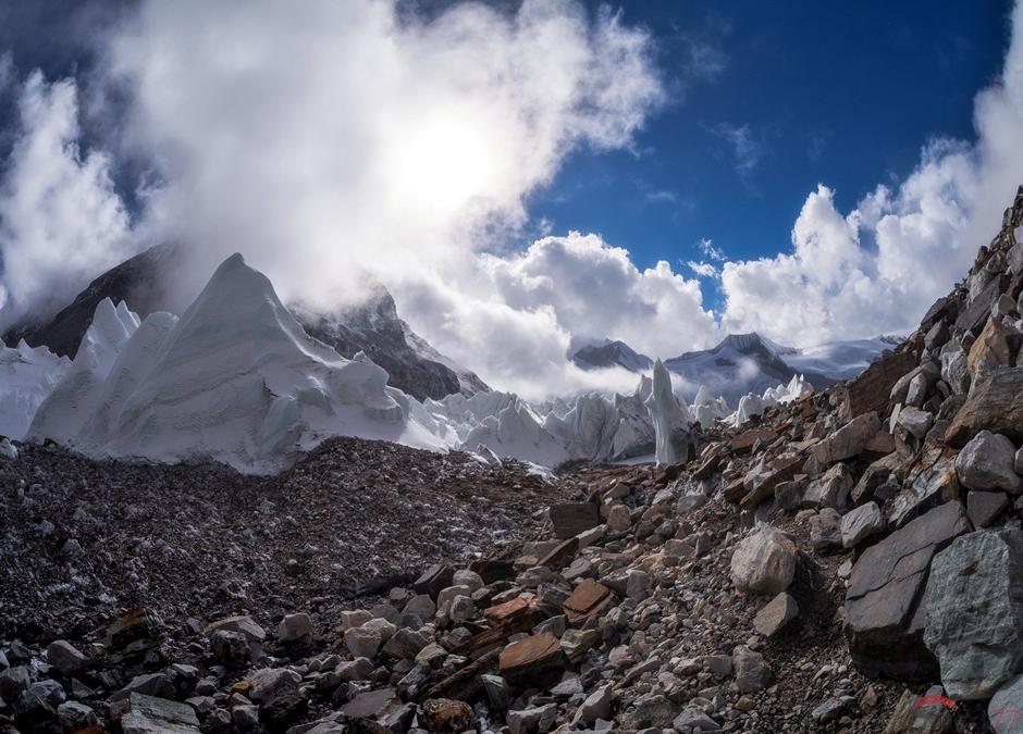Trekkin w okolicach Czo Oju w Himalajach