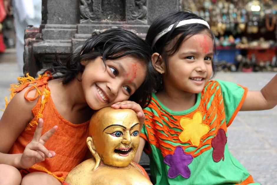 Usmiechniete dzieciaki z Nepalu - foto
