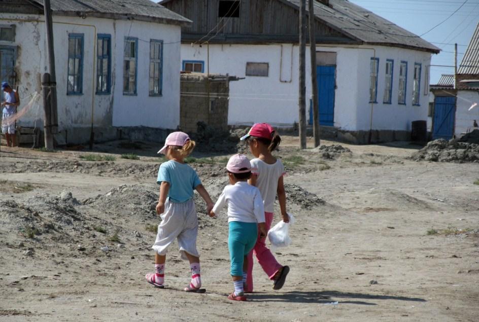 Wieś nad Morzem Kaspijskim w Kazachstanie