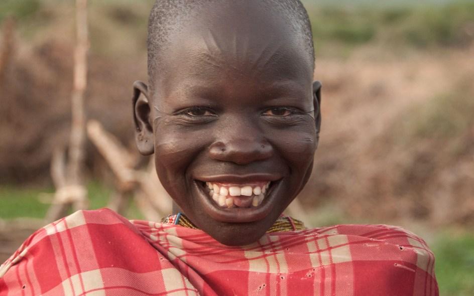 Południowosudańskie dziecko ze skaryfikacjami twarzy