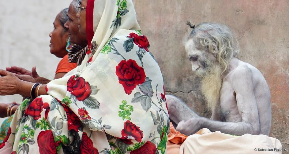 Sadhu z Waranasi, zdjęcia z Indii. FOTO - Sebastian Placzek