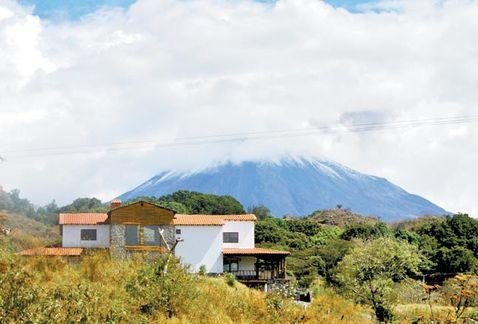 """La """"cabaña campestre"""", a las orillas del volcán de Colima. (MILENIO/Jorge González Avilés)"""
