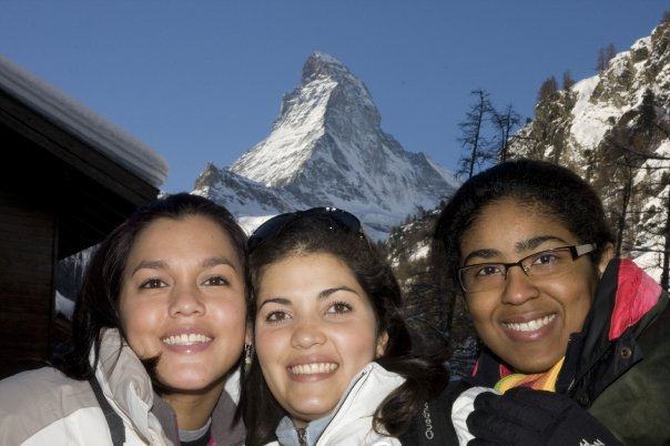 Maleny, Tania y yo posando con el Matterhorn