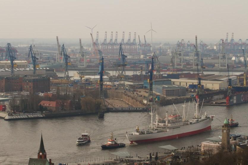 Puerto de Hamburgo, visto desde la Iglesia de San Miguel
